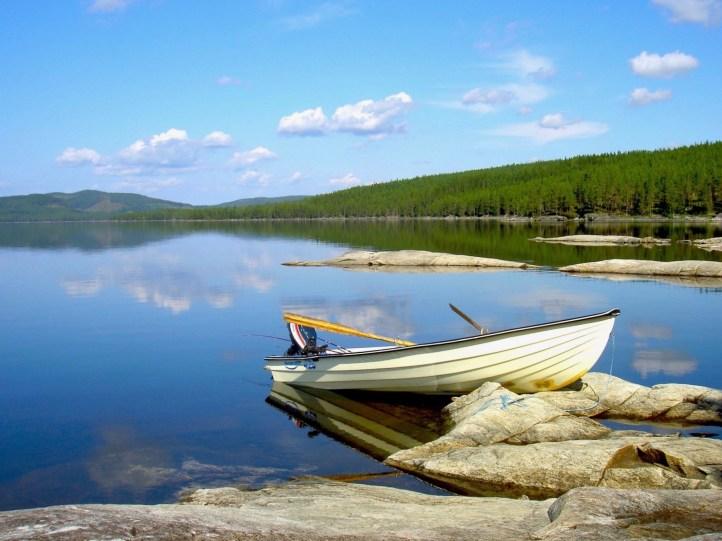 Hyr båt i Hotagsbygden. Foto Maritha Grelsson