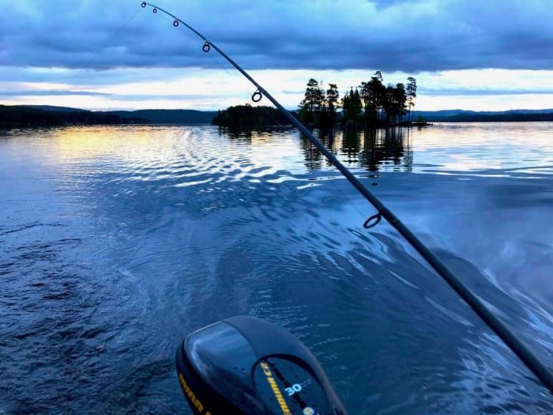 Fiske i Hotagsbygden. Foto Örjan Rahm