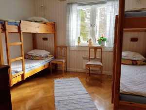 Villa Karin sovrum 2. Foto Stilla Dagar