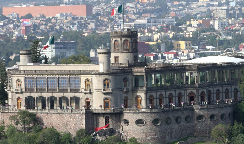 Impresionantes castillos alrededor del mundo - el-museo-nacional-de-historia-mnh-esta-ubicado-en-el-alcazar-de-chapultepec-en-el-norponiente-de-esta-capital.-