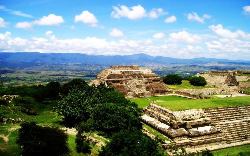 http://www.fondosblackberry.com/user-content/uploads/wall/o/39/Monte_Alban_Oaxaca_Mexico2.jpg