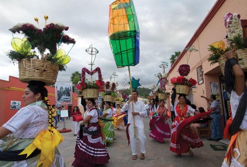 El festival cultural más esperado de Oaxaca: La Guelaguetza - 03_guela-1024x696
