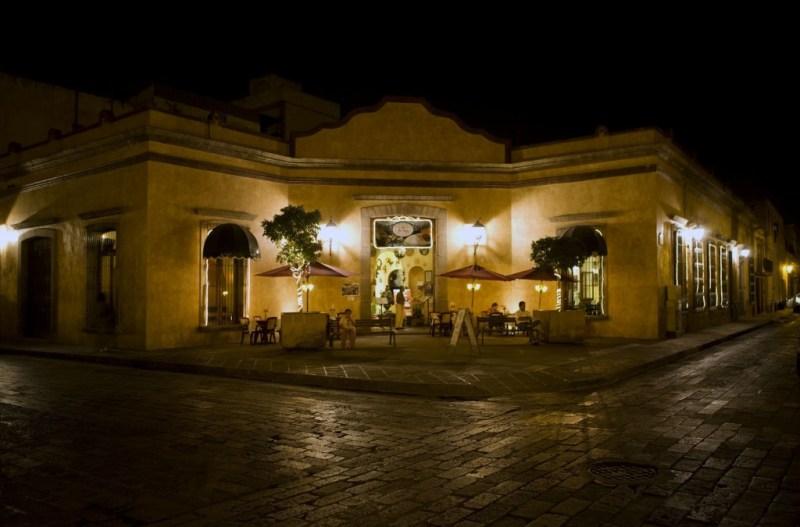 Tesoros coloniales: pasado que resplandece - 2015_06_21-mexico_5-queretaro_calles-1024x675