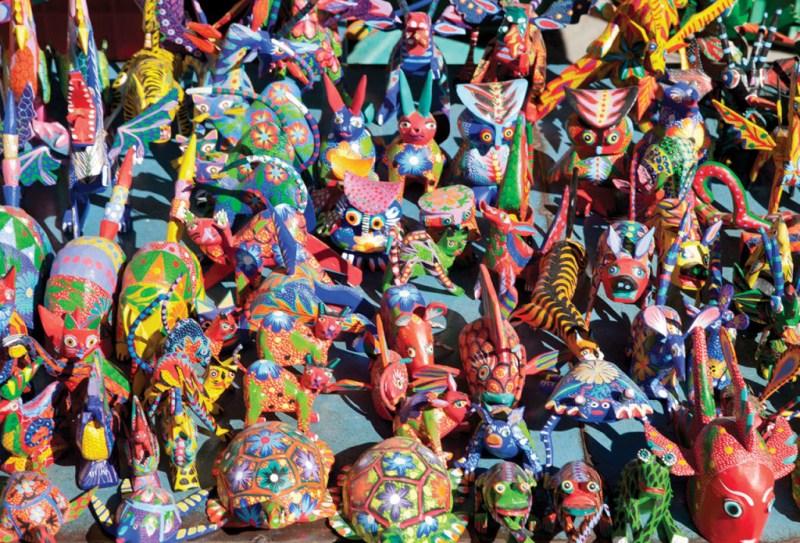 Oaxaca: Entre pintura contemporánea y alebrijes - colibris-1024x696