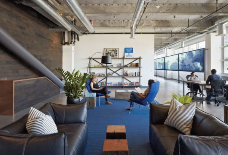 https://www.customspaces.com/office/QxOWF5475w/dropbox-office-san-francisco/p/1/