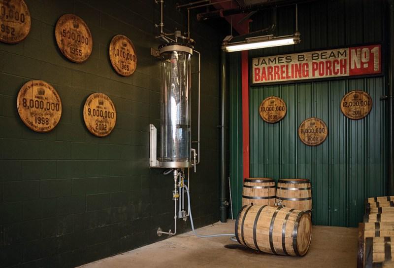 Jim Beam: La historia del Bourbon en Kentucky y el mundo - kentucky3-1024x696