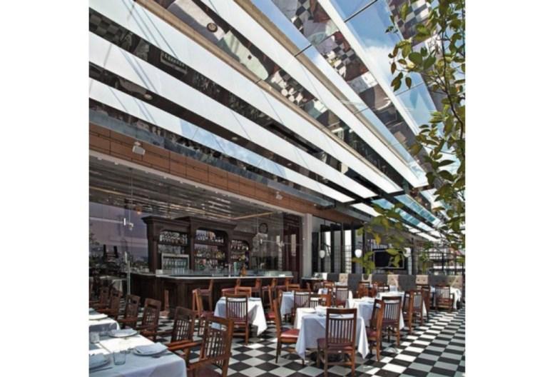 http://www.animalgourmet.com/2015/11/12/un-paseo-por-el-area-gourmet-del-palacio-de-hierro-polanco/