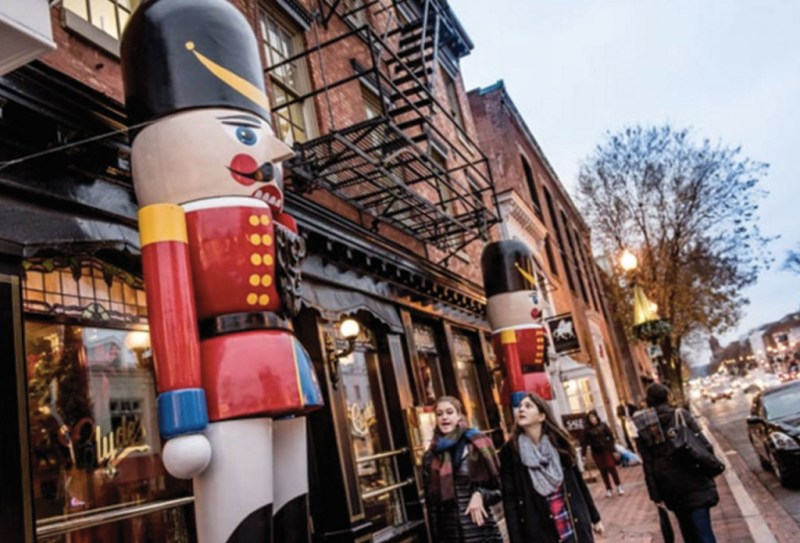 http://www.fodors.com/news/photos/top-10-us-towns-with-christmas-celebrations#!7-historic-georgetown-dc