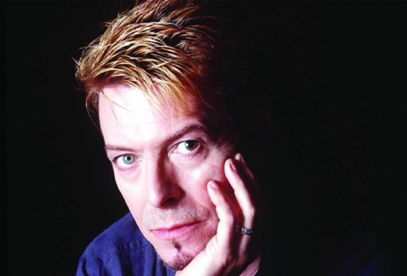20 cosas que no sabías de David Bowie  - davidbowie_hotbook_01-1024x696