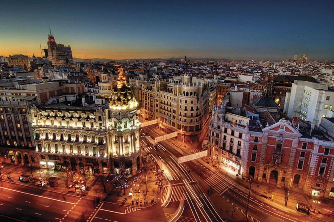 Un Tour por Madrid - madrid_hotbook_portada