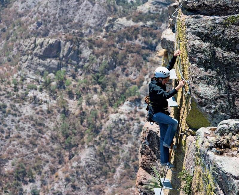 Cómo mantenerte fit aún estando de vacaciones - foto-escalada-1-1024x836