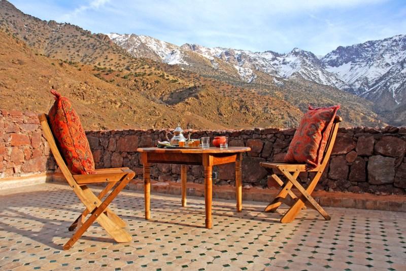 Los 10 mejores hoteles ecofriendly del mundo - lodgebalconychairs-e1468346520570