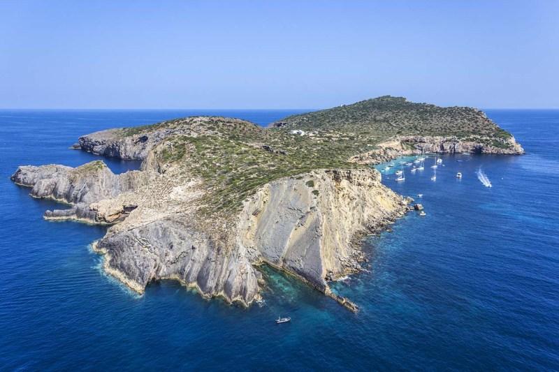 7 Nuevos destinos para verano - island-tagomago