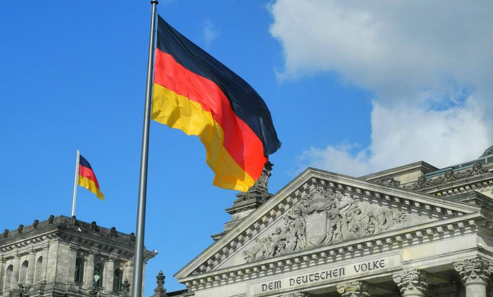 ¿Cómo se encuentra la economía este mes a nivel mundial? - alemania_bandera