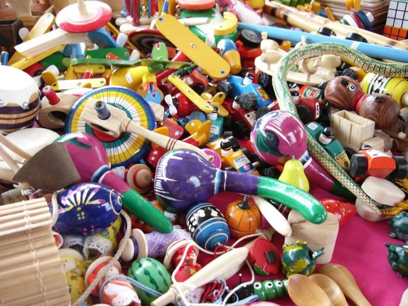 13 ítems que tienes que tener en tu fiesta de Independencia - juguetes_tipicos_mexicanos_by_cyberkorn_photo