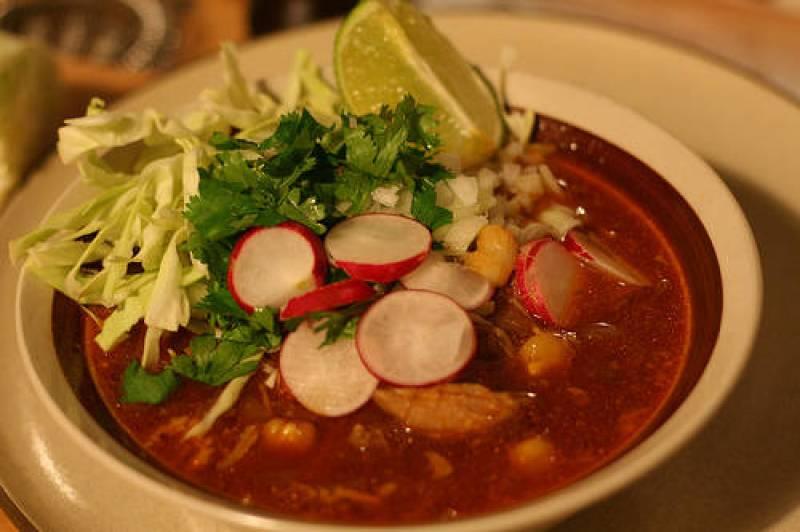 De chile, mole y pozole: los mejores restaurantes de la CDMX para las fiestas patrias - mexican-pozole1