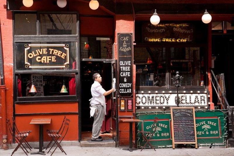 48 Horas en Nueva York – Invierno 2017 - comedy-cellar-new-york-city-estee-adoran-02