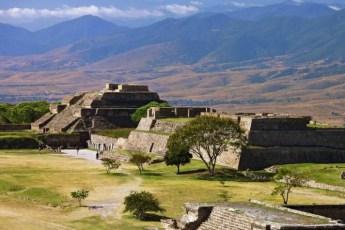 Los sitios arqueológicos que tienes que conocer en México - 121Monte-Alban1_23_245