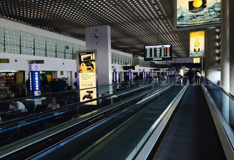 Nuevos beneficios para pasajeros de avión. - nuevos-beneficios-pasajeros-avion-pasillo-de-la-terminal-2-del-aeropuerto-de-mexico-1024x768-1024x704