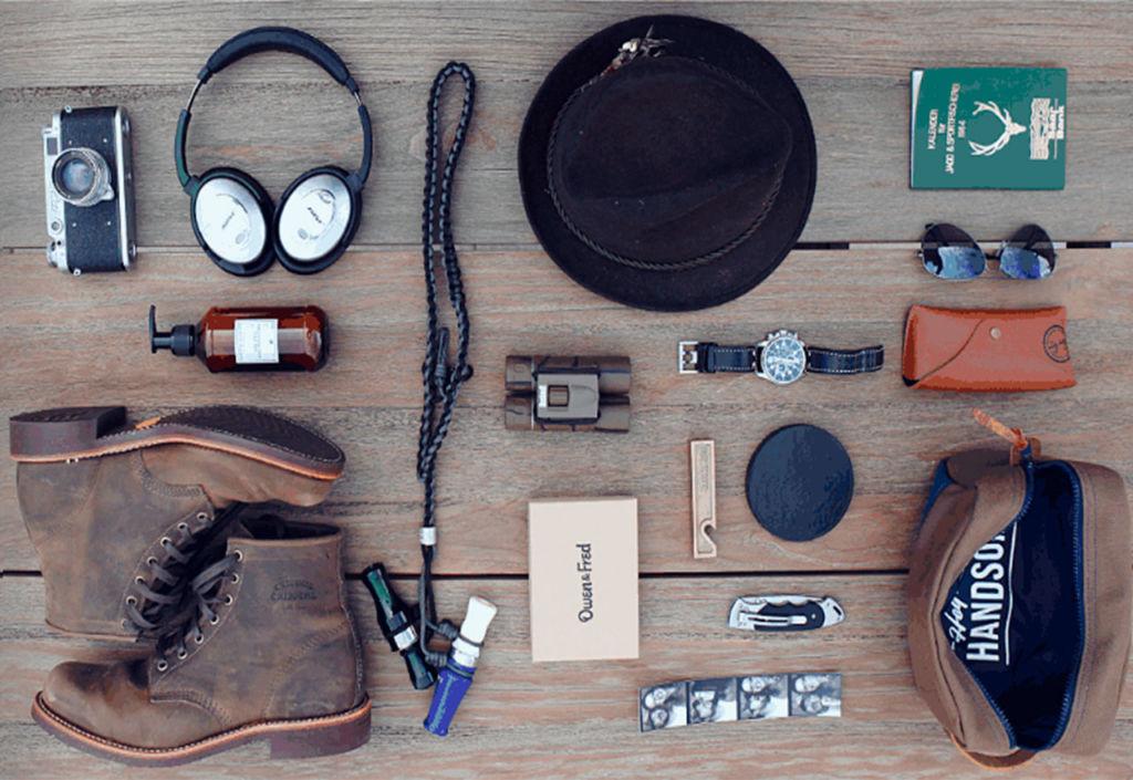Los accesorios que todo hombre debe tener en su closet - Accesorios-portada