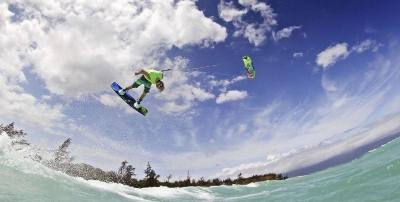 Las 10 actividades más extremas que puedes realizar en México - Actividades-extremas-kitesurf1