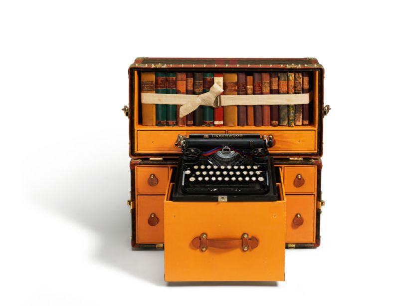 "Louis Vuitton presenta la exposición ""Volez, Voguez, Voyagez"" - Louis-Vuitton-4.-Escrituras"