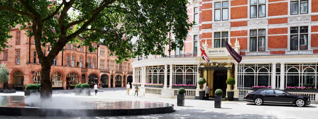 The Connaught, un hotel que refleja tradición inglesa. - 1. Fachada portada