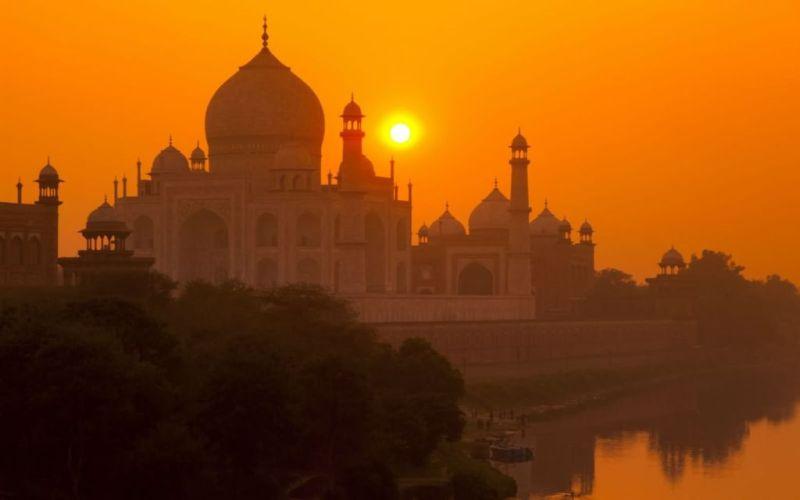 Los mejores spots para ver atardeceres en el mundo - Taj-Mahal