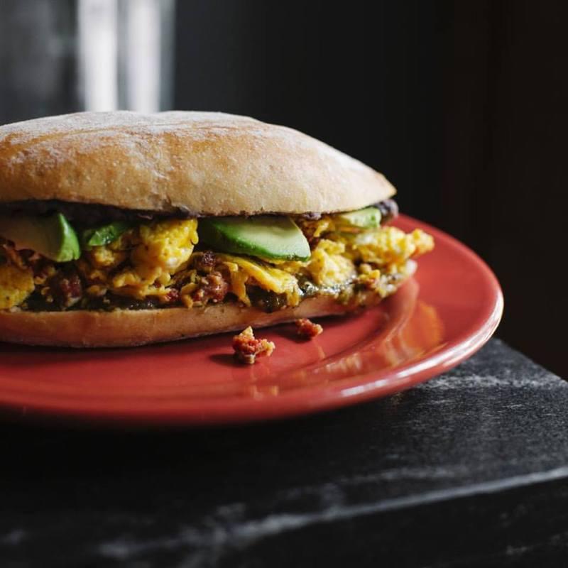 Los mejores breakfast sandwiches de la CDMX - eno-portada