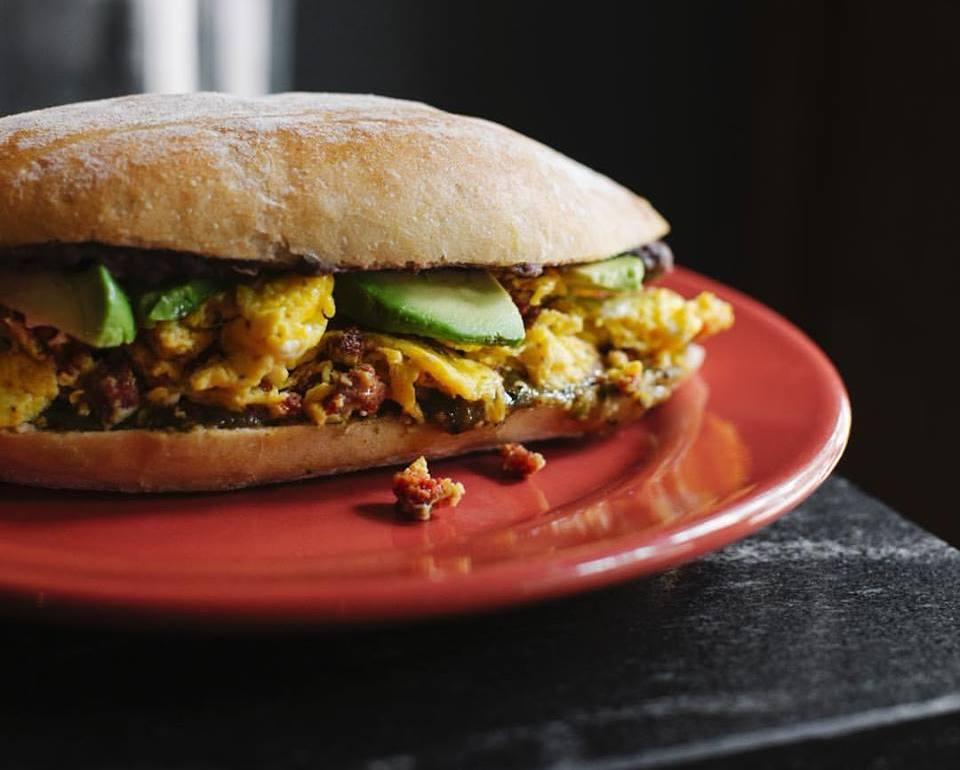 Los mejores breakfast sandwiches de la CDMX - eno portada