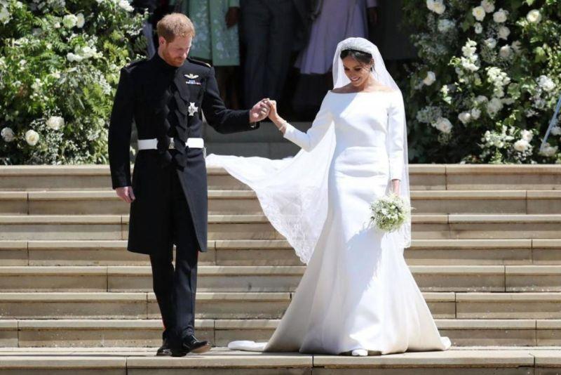 Conoce los detalles más memorables de la boda real - wedding-dress