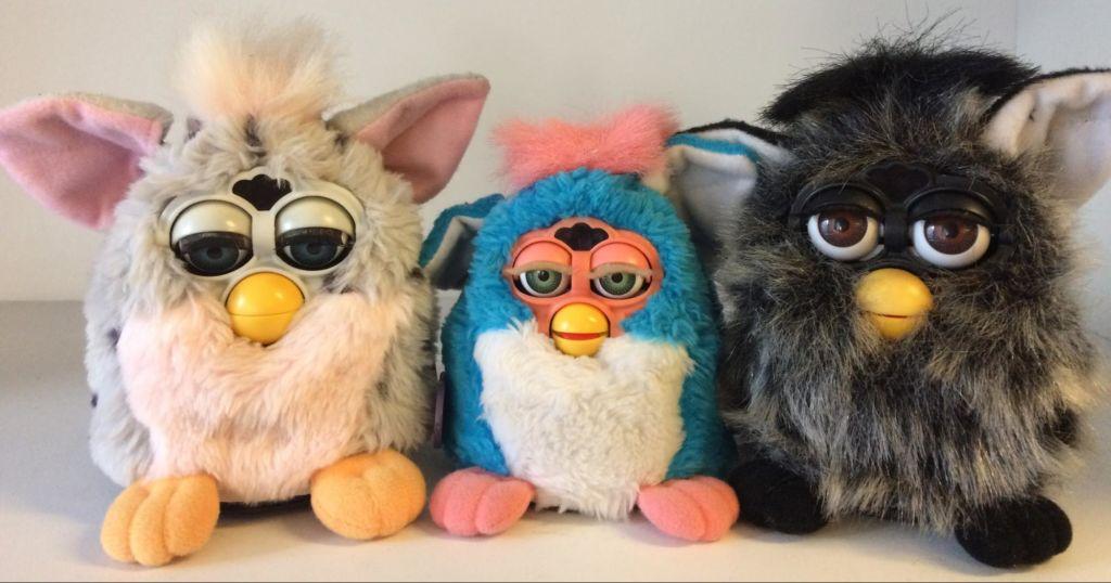 10 juguetes de los noventa que te harán recordar tu infancia - Furby Juguetes 90´s PORTADA