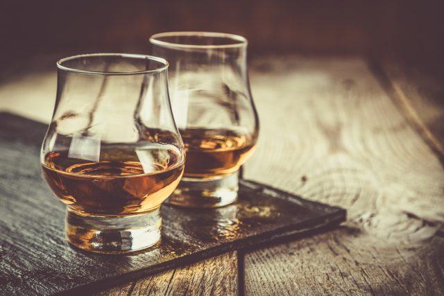 Todo lo que debes saber sobre el whisky para convertirte en un experto - whisky-2
