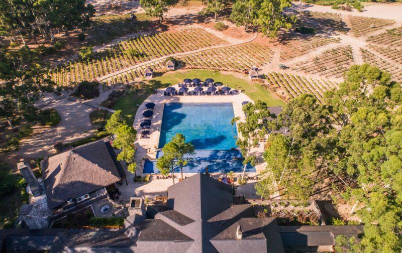 Carmelo Resort & Spa, un alojamiento imperdible en el suroeste de Uruguay - carmelo-resort-pool-2