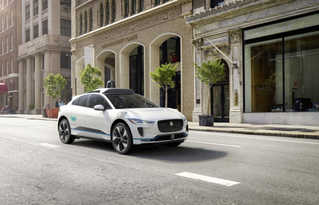 Waymo, el nuevo coche de Google - WaymoIPACE-city2