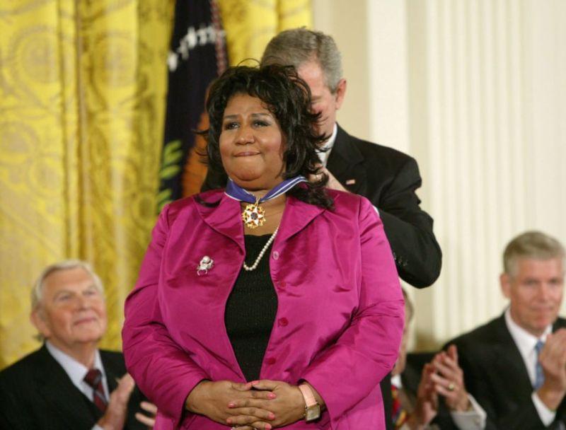 10 cosas que no sabías sobre Aretha Franklin - arethafranklin_medalla