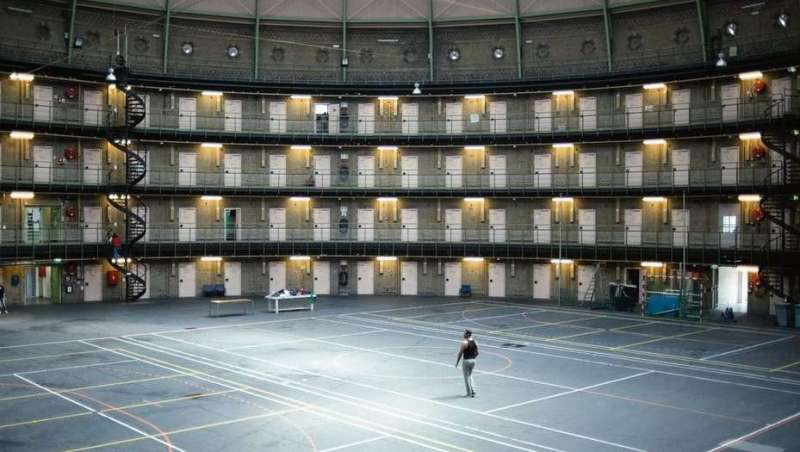 Las cárceles de Holanda se convierten en refugios y oficinas - carceles-en-holanda