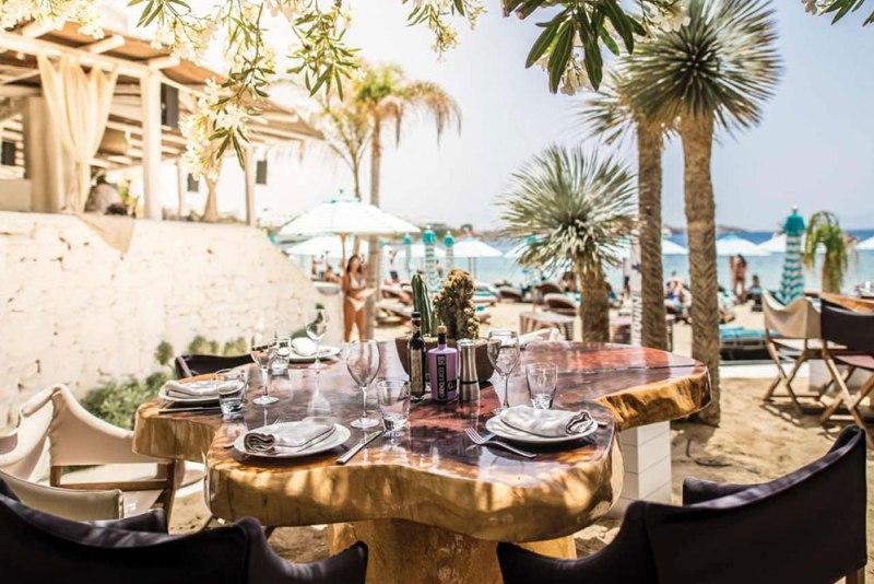 Guía para visitar Mykonos - nammos-beach-club-mykonos-restaurant-07