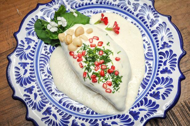 Dónde comer los mejores chiles en nogada de la temporada - chileennogada_angelopolitano