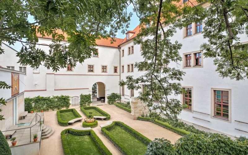 Guía para visitar Praga - guia-para-visitar-praga-augustine-hotel