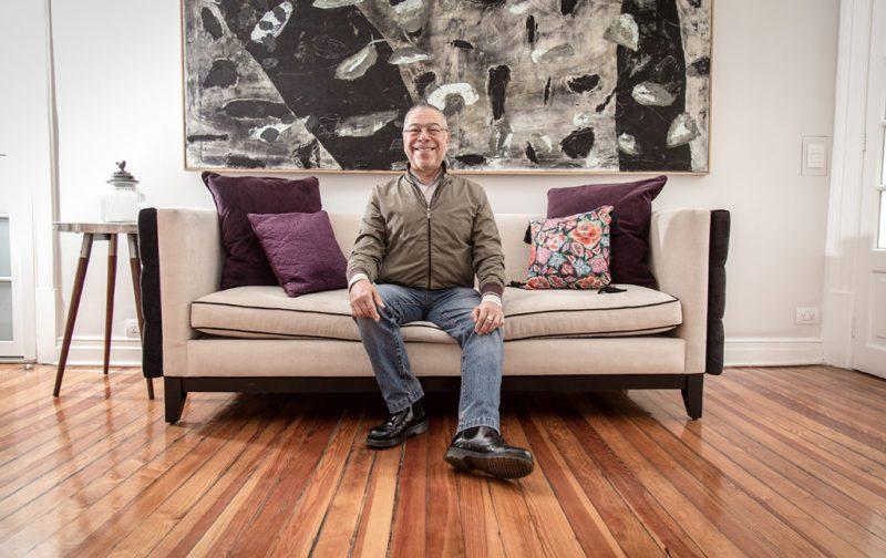 Braulio Peralta, la responsabilidad de ser. - braulio-peralta-feliz-libros-sala-foto