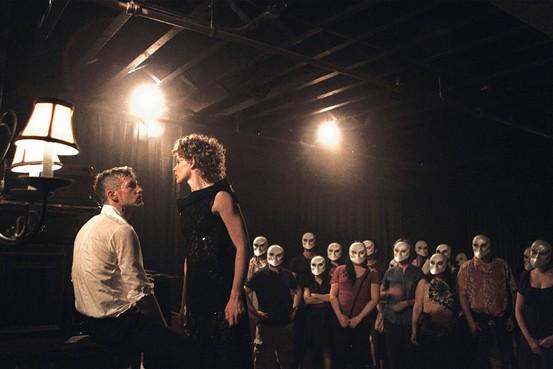 5 experiencias teatrales a las que debes asistir en Nueva York - experienciasteatrales_sleepnomore