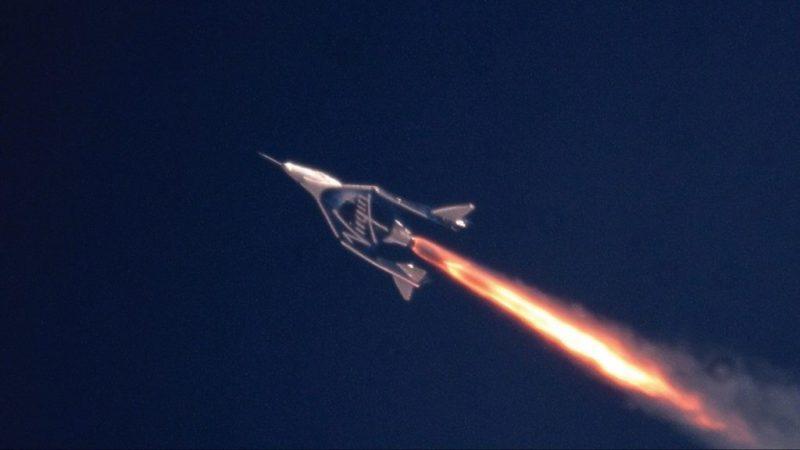 Virgin Galactic hace su primer vuelo espacial tripulado - space-1