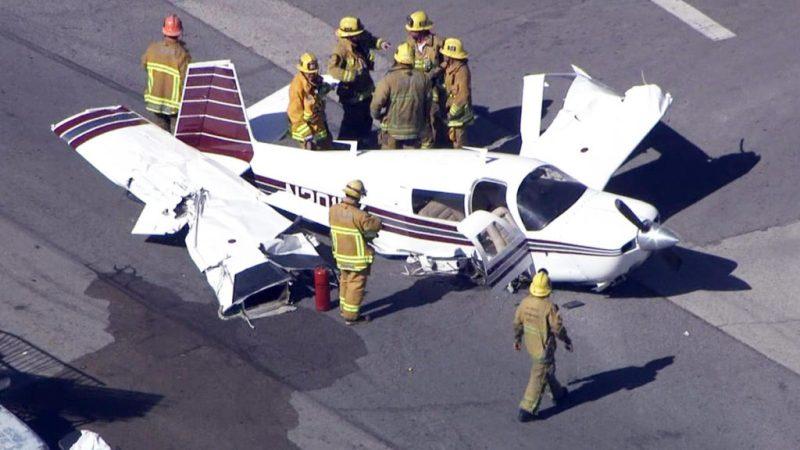 Datos que no sabías de Sandra Bullock - 7-plane-crash