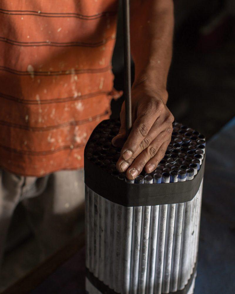 Oficios mexicanos: tradiciones y apariencias - cohetero_klinckwort-laframboise-oficios