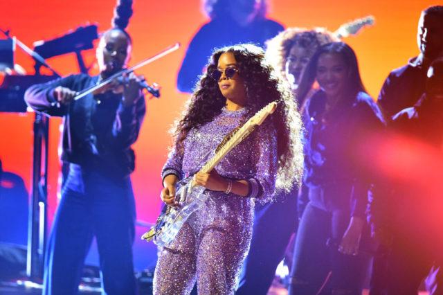 Los Premios Grammy 2019 - hotbook20los20premios20grammy20201920her-jpg