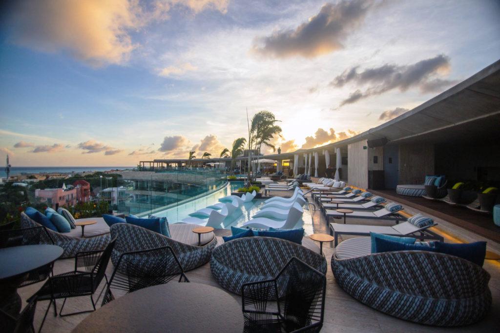 Las propuestas culinarias del hotel Thompson Playa del Carmen - Hotbook_Thompson_PORTADA_TerrazaConAlberca