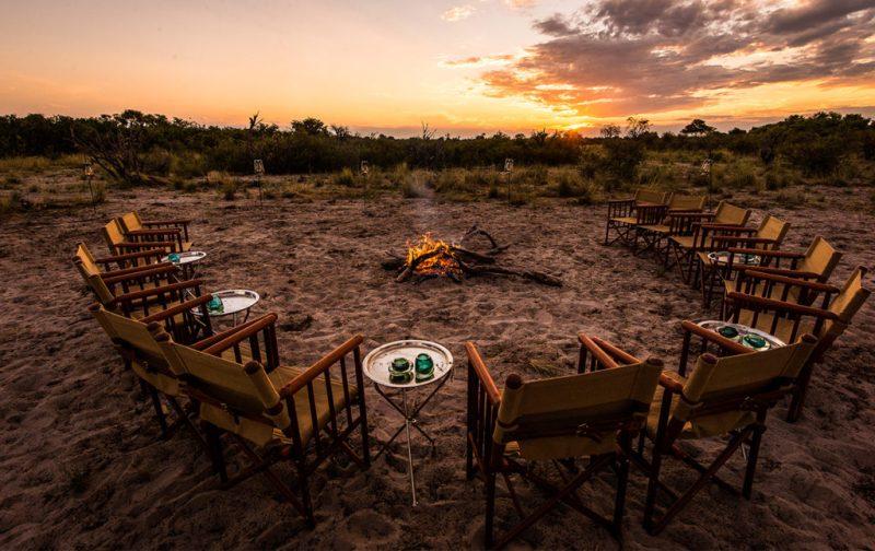 Un recorrido por África - fogata-camp-atardecer-africa
