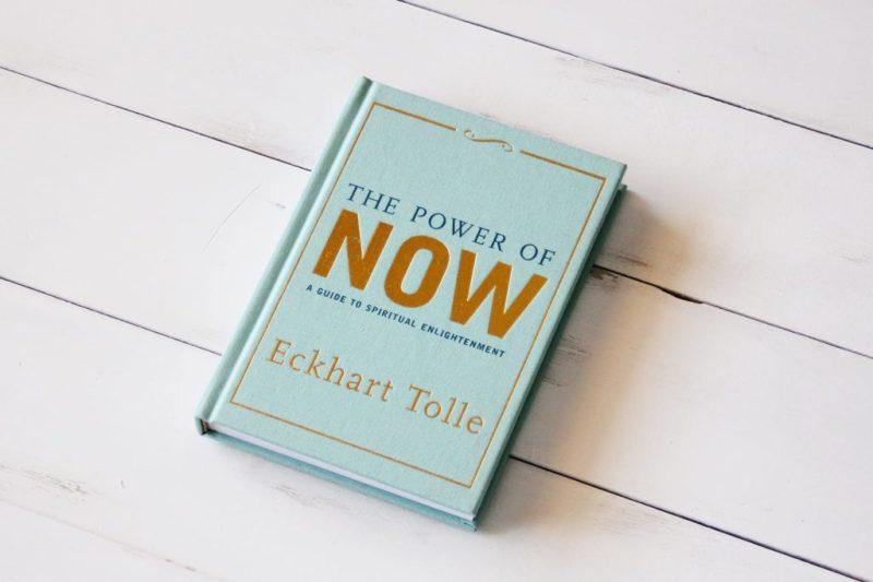 10 libros que te inspirarán a cambiar tu vida - hotbook-10-libros-para-ser-mejor-en-la-vida-5