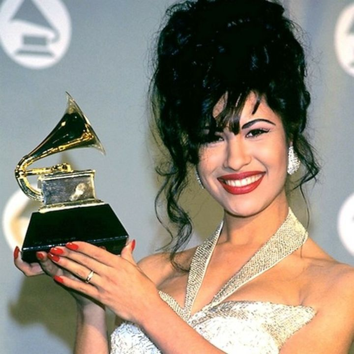 12 datos de Selena Quintanilla que probablemente no conocías - hotbook_selenaquintanilla_fact5